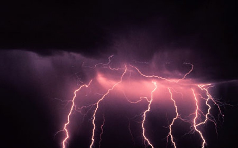 Spectacular lightening